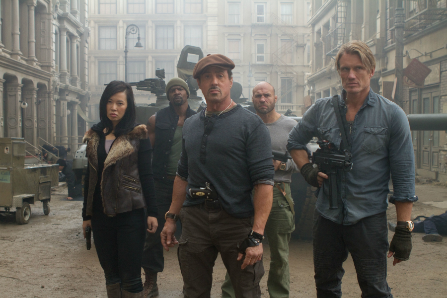 Nepostradatelní Expendables 2 otevírají propadliště filmových dějin