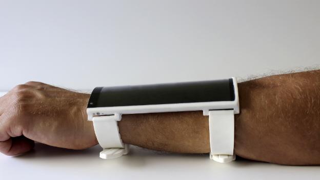 Portal: Na rozdíl od iPhonu 6 plus, tenhle nositelný tablet se má ohýbat