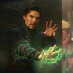 Doktor Strange se zázračně naučil kouzlit