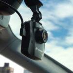 Kamera do auta rozšířená o funkce zvyšující bezpečnost jízdy