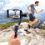 Rukojeť se stabilizací pro natáčení videa mobilem